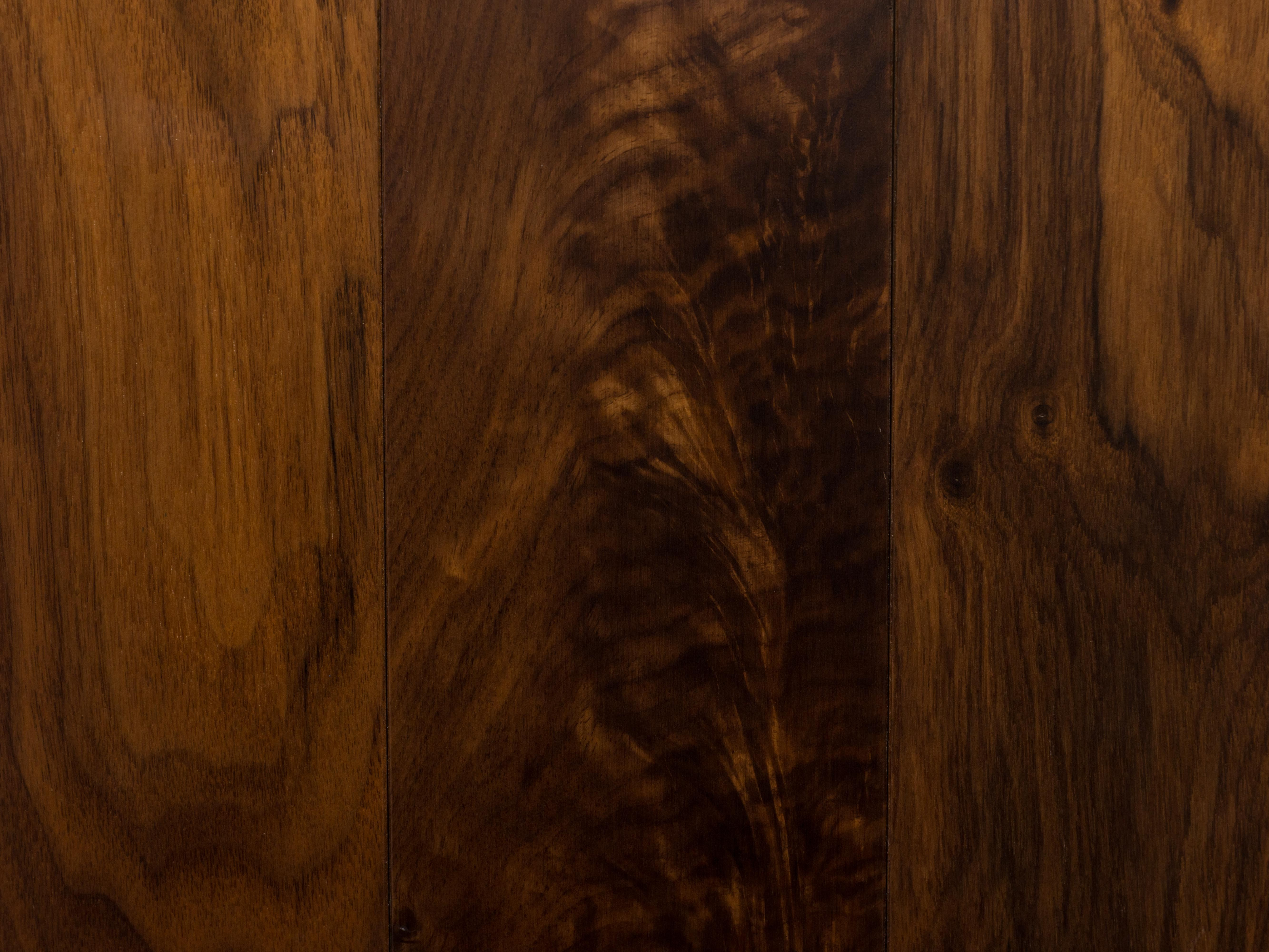Solid Walnut Natural